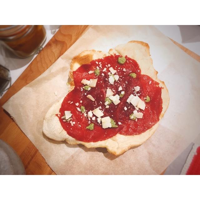Pizza-carpaccio-ternera-puredepalabras