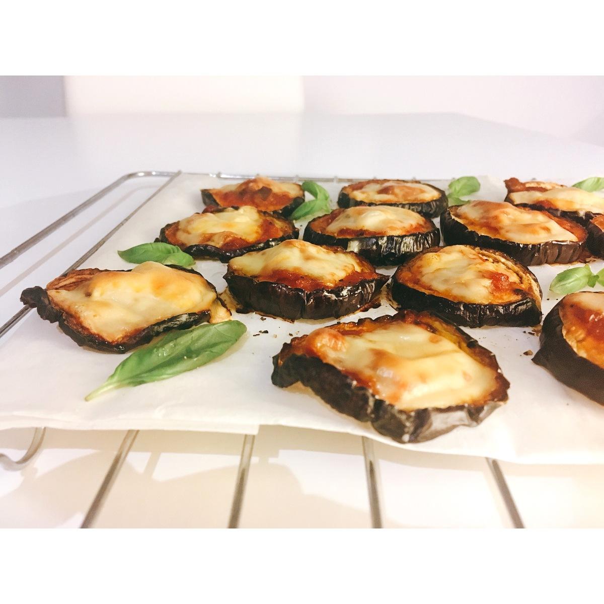 pizza con base de berenjena puredepalabras