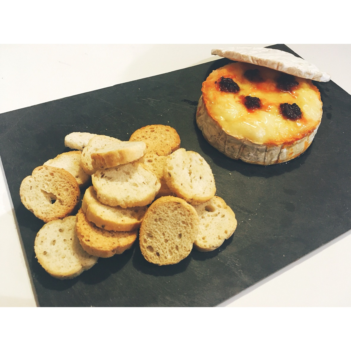 Camembert con sobrasada y miel puredepalabras