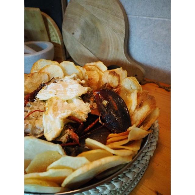 bogavante con patatas y huevo frito puredepalabras