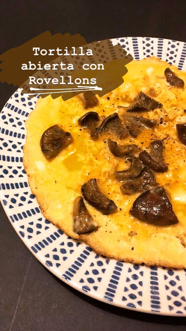 Tortilla abierta con níscalos puredepalabras