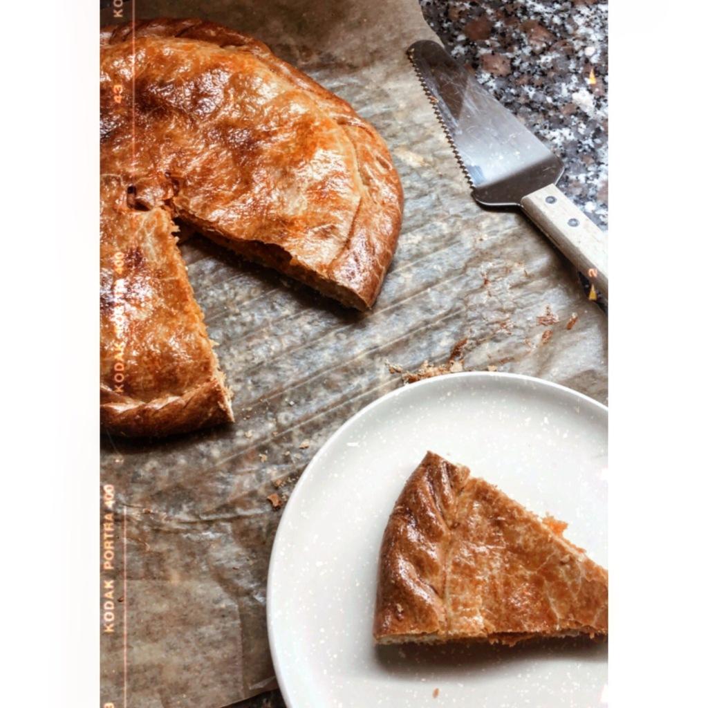 Empanada de atún con masa casera. Foto: @puredepalabras