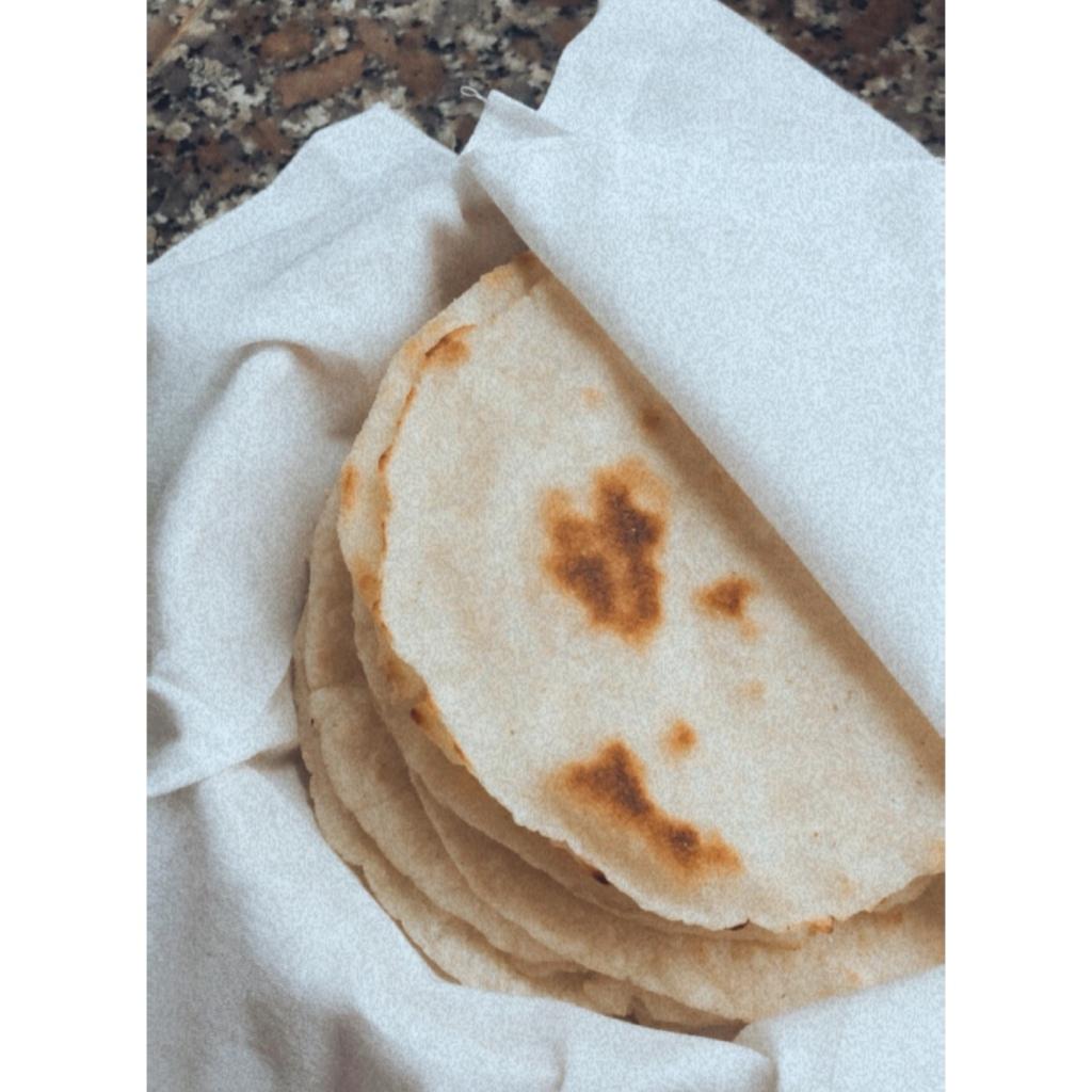Tortillas de maíz caseras. Foto: @puredepalabras